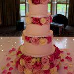 Roses Luxury Wedding Cakes Hertfordshire, Bedfordshire, Buckinghamshire, London
