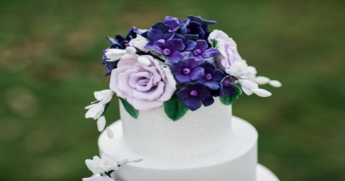 Mehndi Cakes East London : Wedding cakes hertfordshire bedfordshire buckinghamshire london