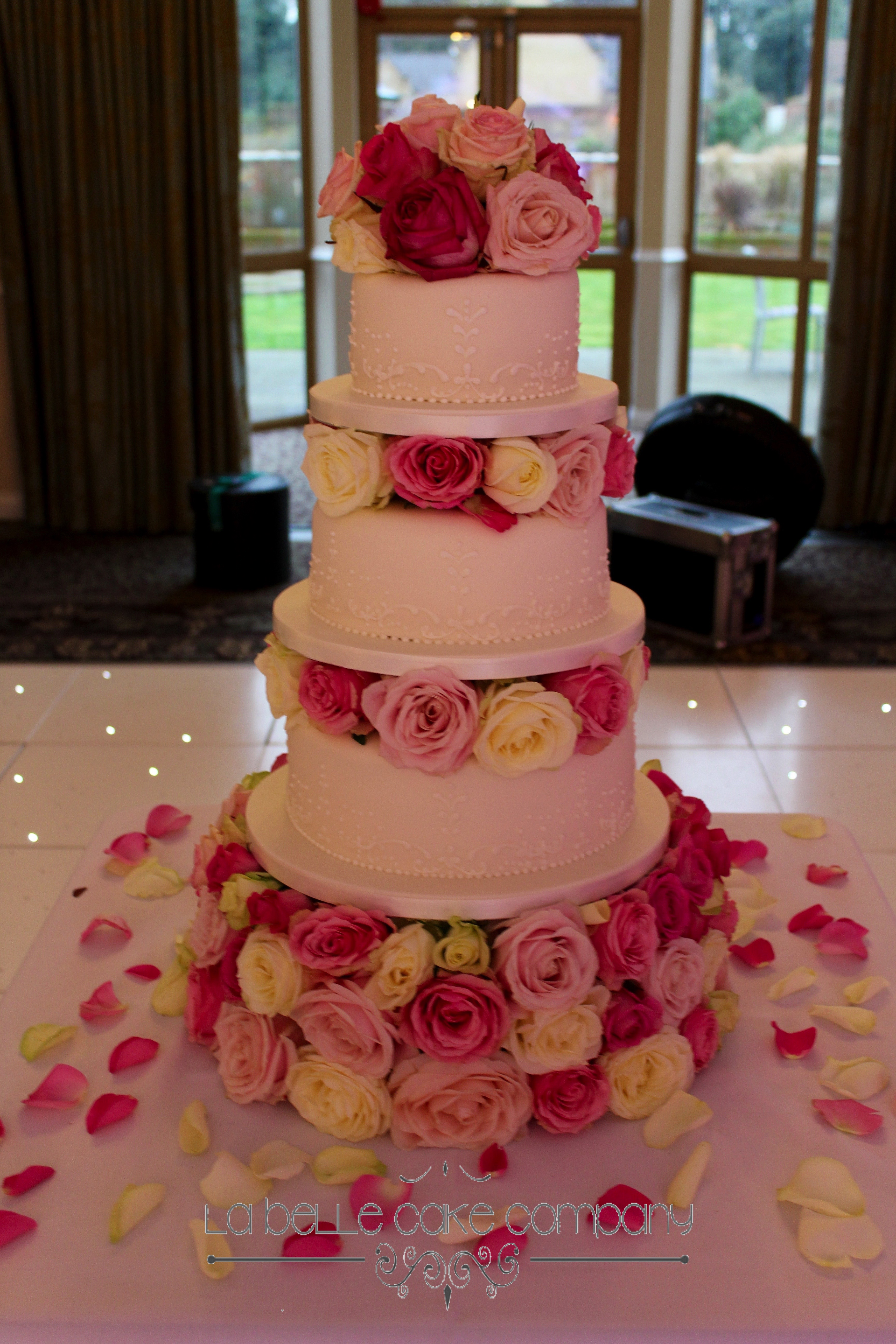 Cakes Blocked With Flowers Always Look Impressive And Add Extra Height To The Cake This Effect Can Be Achieved Using Fresh Sugar Even Silk